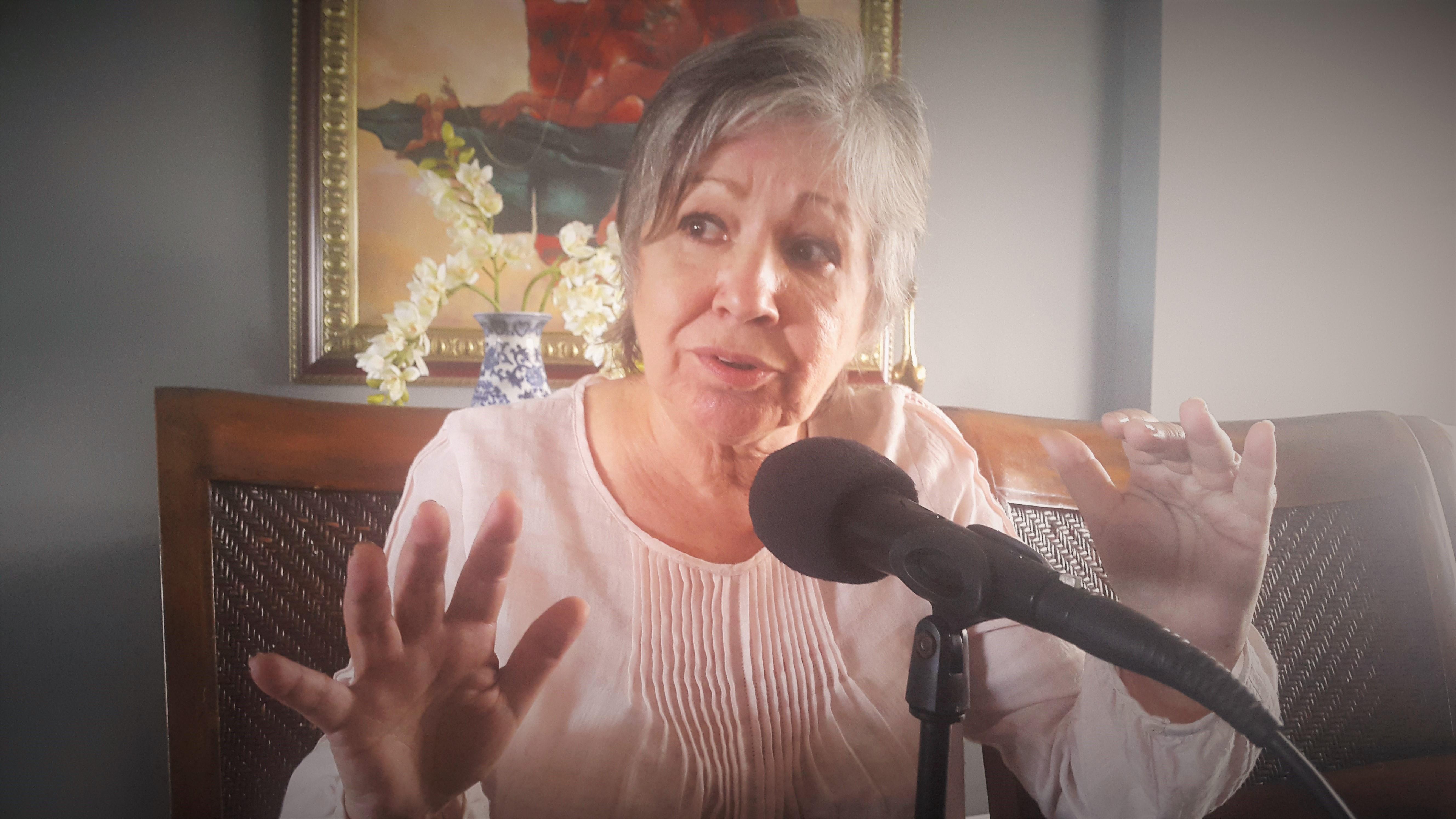 Gobiernos y medios de comunicación han convertido la información en mercancía, afirma Margarita Cordero